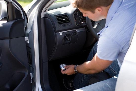 Monitorizarea stilului de a conduce si numarul redus de kilometri la bord pot reduce pretul asigurarii auto