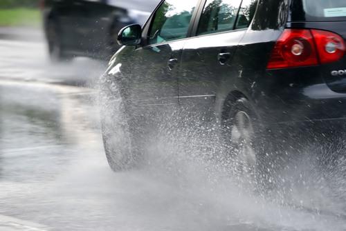 Precipitatiile abundente pot impune inchiderea unor drumuri in perioada urmatoare