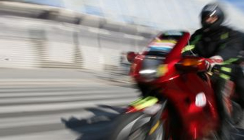 Accident dur intre motociclist si sofer. Cine e de vina?