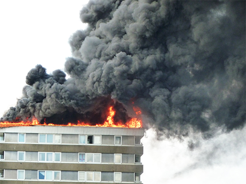 15 locuinte ard zilnic in Bucuresti. Doar 5 sunt asigurate