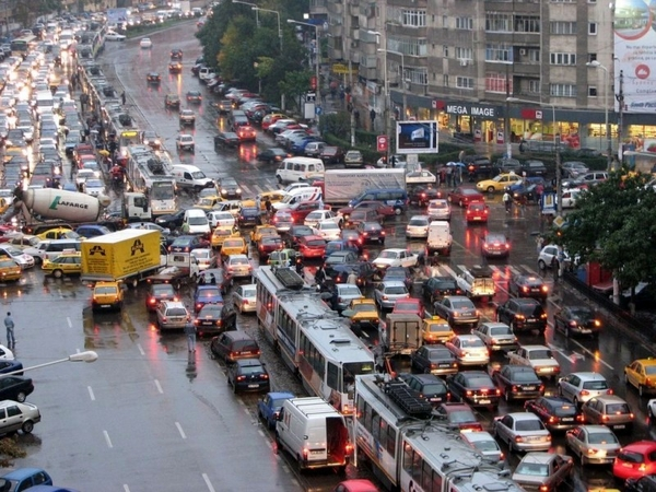 Patru lucruri pe care să nu le faci în trafic în oraș și în afara orașului
